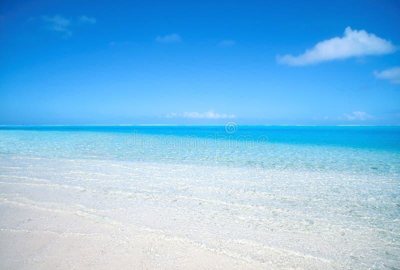 Spiaggia polinesiana tranquilla fotografia stock