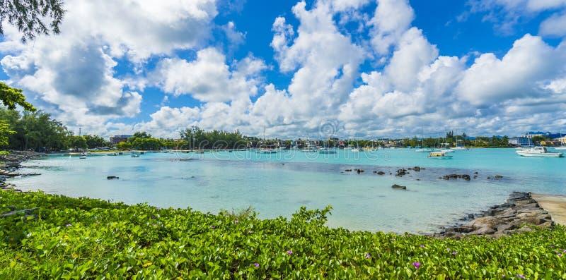 Spiaggia pubblica al grande villaggio del baie sull'isola delle Mauritius, Africa immagine stock