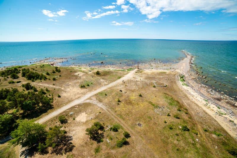 spiaggia rocciosa nell'isola Estonia di Hiiumaa fotografia stock libera da diritti