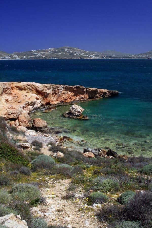 Spiaggia rocciosa - Paros, Grecia fotografia stock libera da diritti