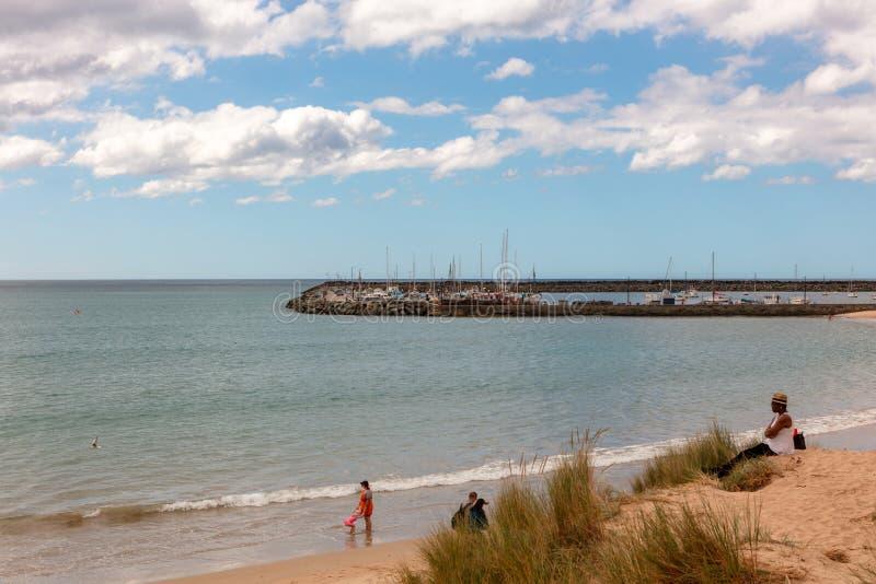 Spiaggia sabbiosa intatta in Apollo Bay Australia fotografie stock libere da diritti