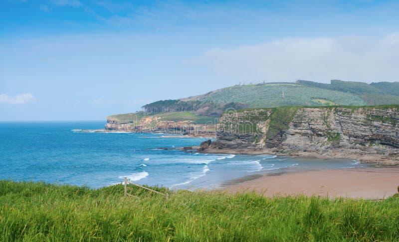 Spiaggia selvaggia di Langre. Cantabria, Spagna. fotografia stock