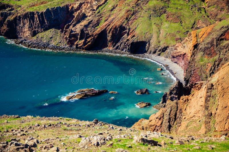 Spiaggia selvaggia situata a Ponta de Sao Lourenco immagini stock libere da diritti