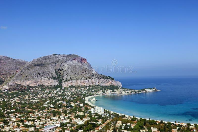 Spiaggia Sicilia di Mondello immagini stock libere da diritti