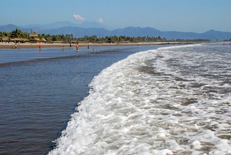 Spiaggia sull'Oceano Pacifico nel Messico immagini stock