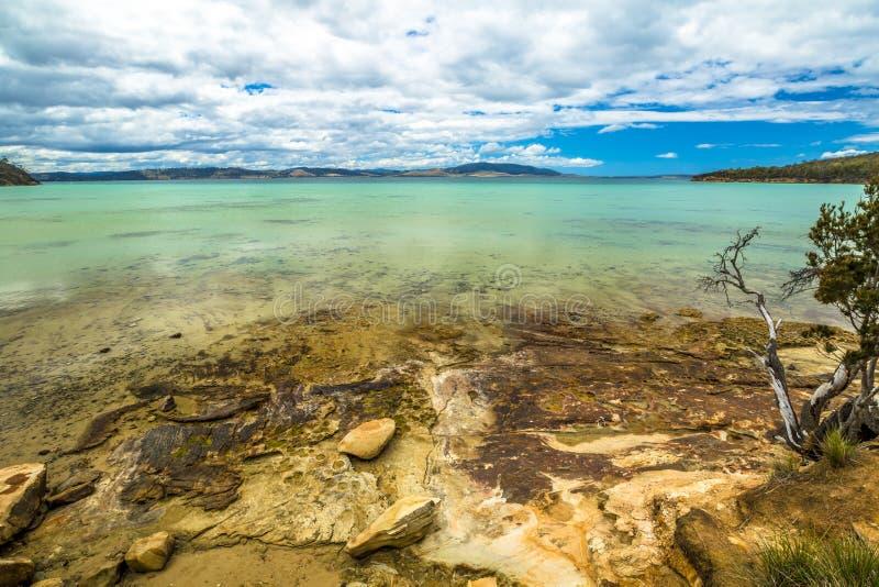 Spiaggia Tasmania della baia della calce fotografia stock libera da diritti