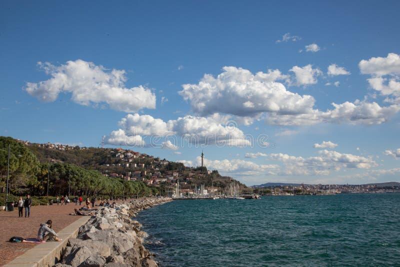 Spiaggia a Trieste fotografie stock libere da diritti