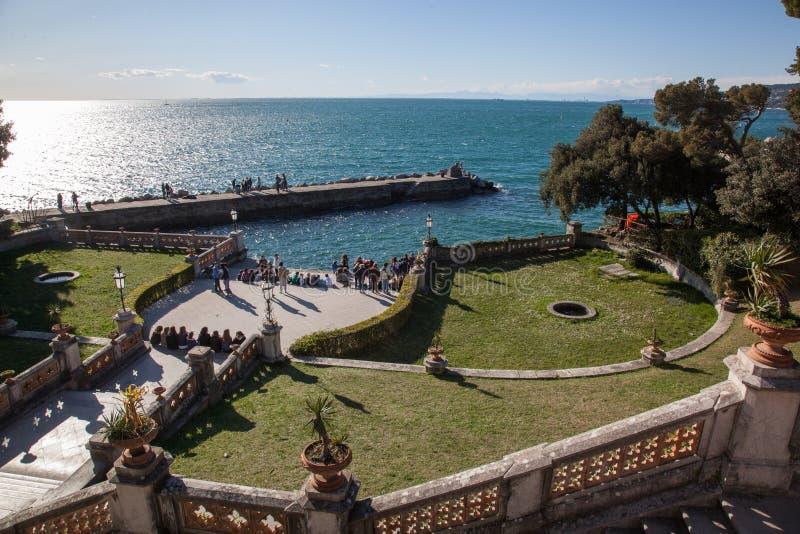 Spiaggia a Trieste fotografia stock