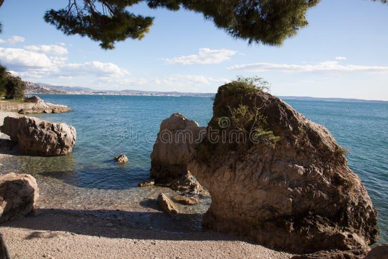 Spiaggia a Trieste immagine stock