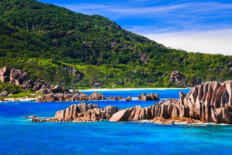 Spiaggia tropicale alle Seychelles immagine stock libera da diritti