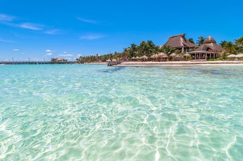 Spiaggia tropicale in Isla Mujeres, Messico fotografia stock