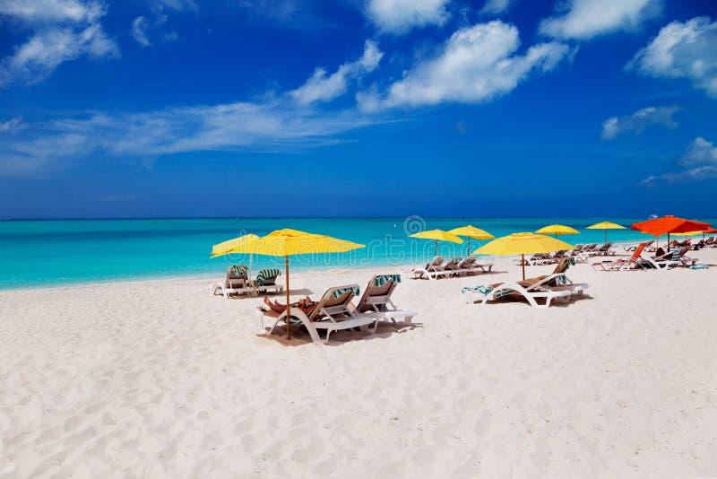 Spiaggia, Turchi & il Caicos della baia di tolleranza immagine stock