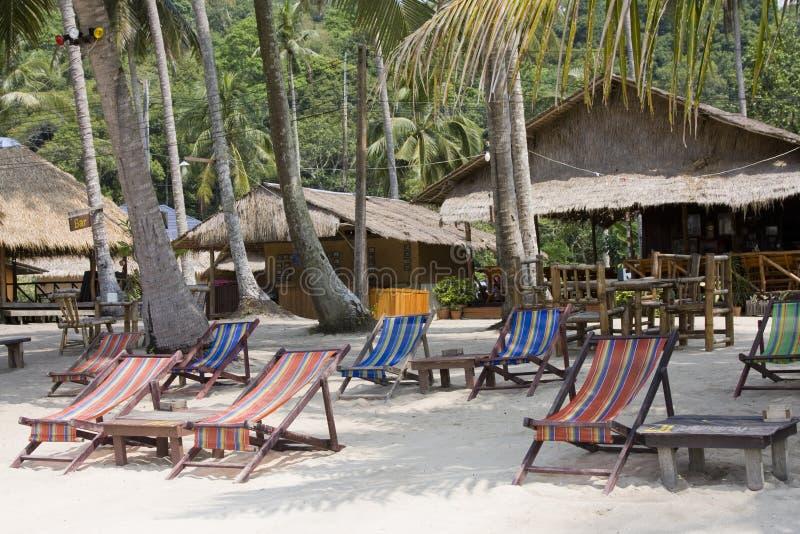 Spiaggia un giorno pieno di sole. fotografie stock libere da diritti