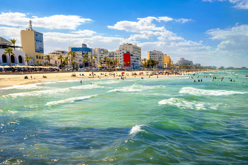 Spiaggia urbana in Susa La Tunisia, Nord Africa fotografia stock libera da diritti