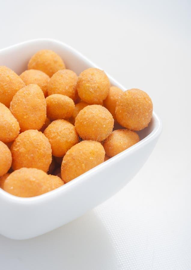 Spiced ha ricoperto l'arachide fritta fotografia stock