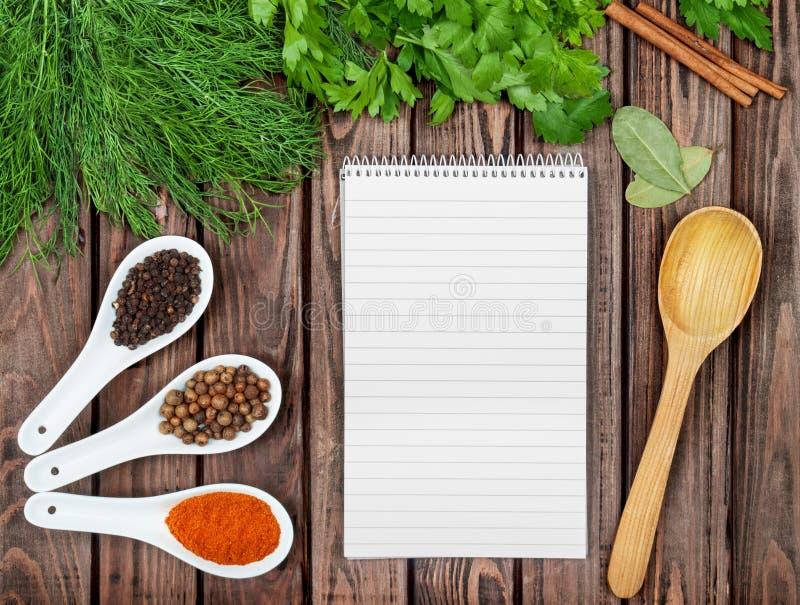 Spices предпосылка рецепта стоковые изображения rf