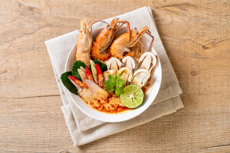 Spicy shrimps soup (Tom Yum Goong. ) - Thai Traditional Food stock photography