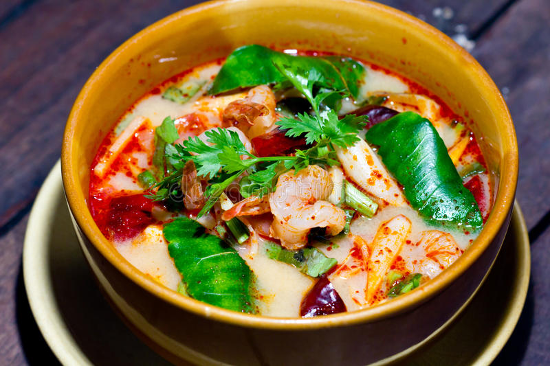 Spicy tom yum soup with shrimp royalty free stock photos