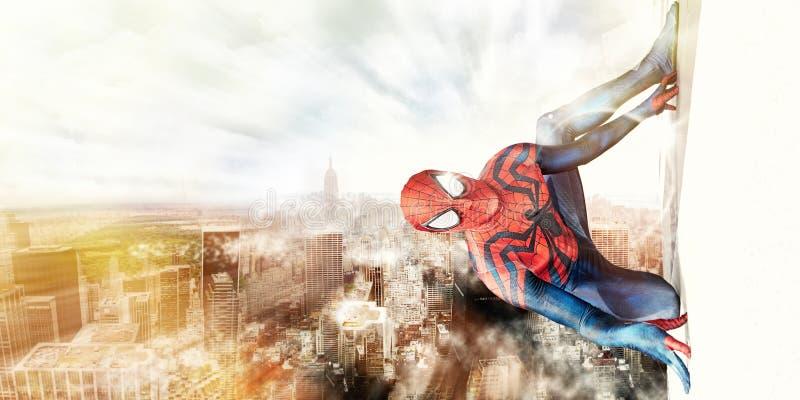 Spiderman und New York City stockfotos