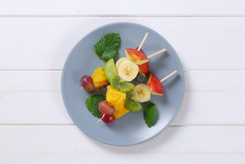 Spiedi della frutta fresca fotografia stock
