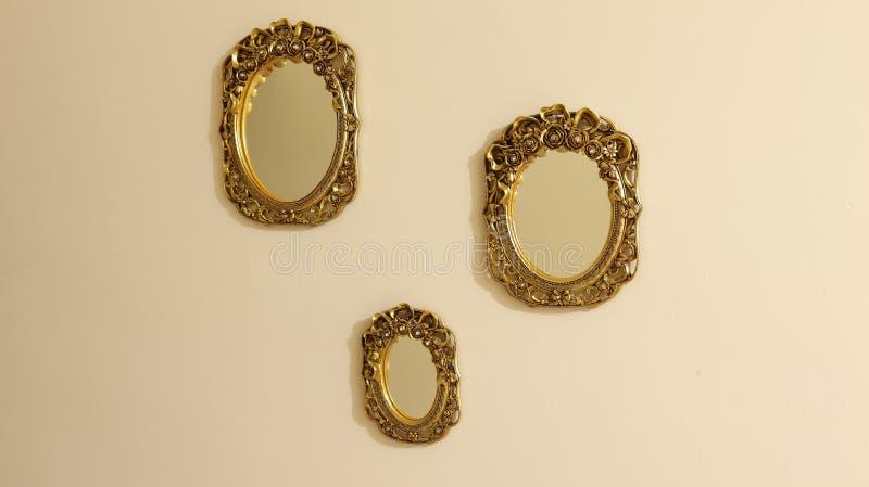 Spiegel drie stock afbeeldingen