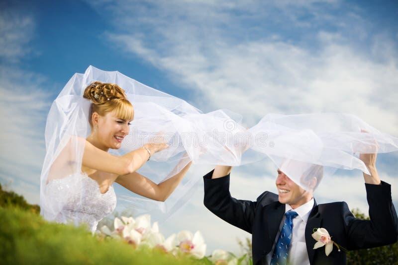 Spiel der Braut und des Bräutigams stockbilder