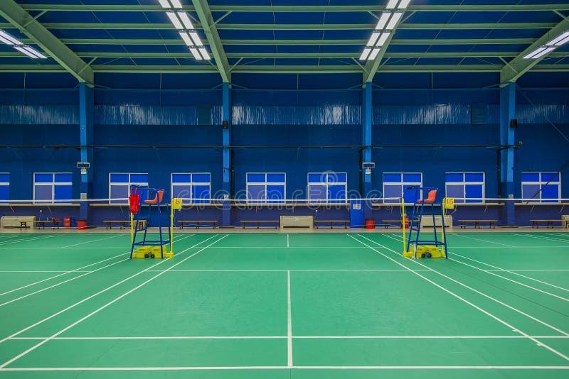 Spielen von Badminton stockfotografie