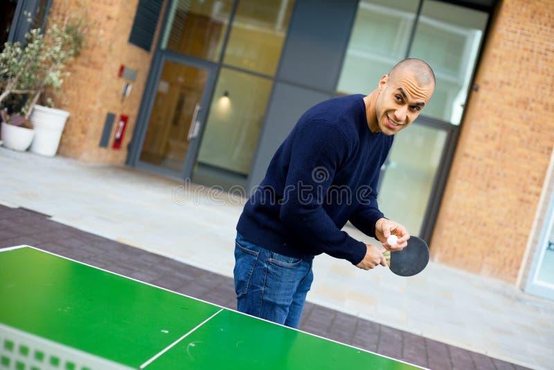 Spielen von Klingeln pong stockbilder