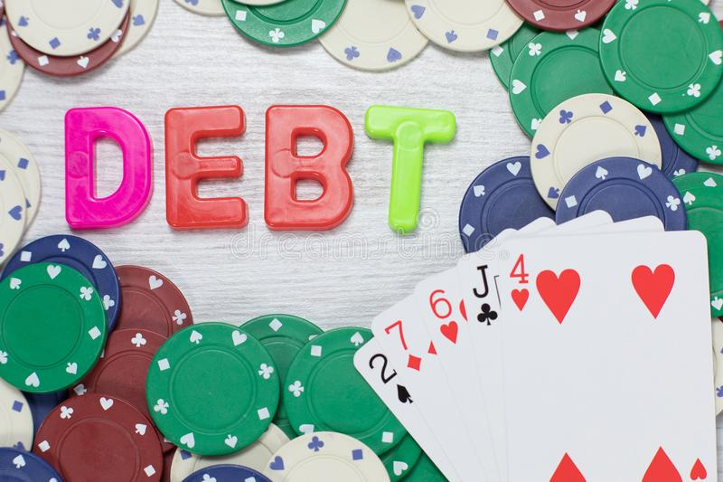 Spielende Schulden, die einer Pechsträhne folgen stockfoto