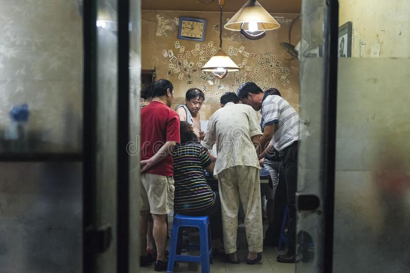 Spieler im Raum weg von Hutongs in Peking, China lizenzfreies stockfoto