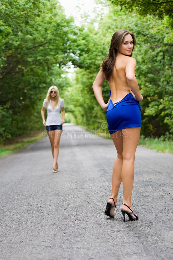 Spielerische Frauen lizenzfreie stockbilder