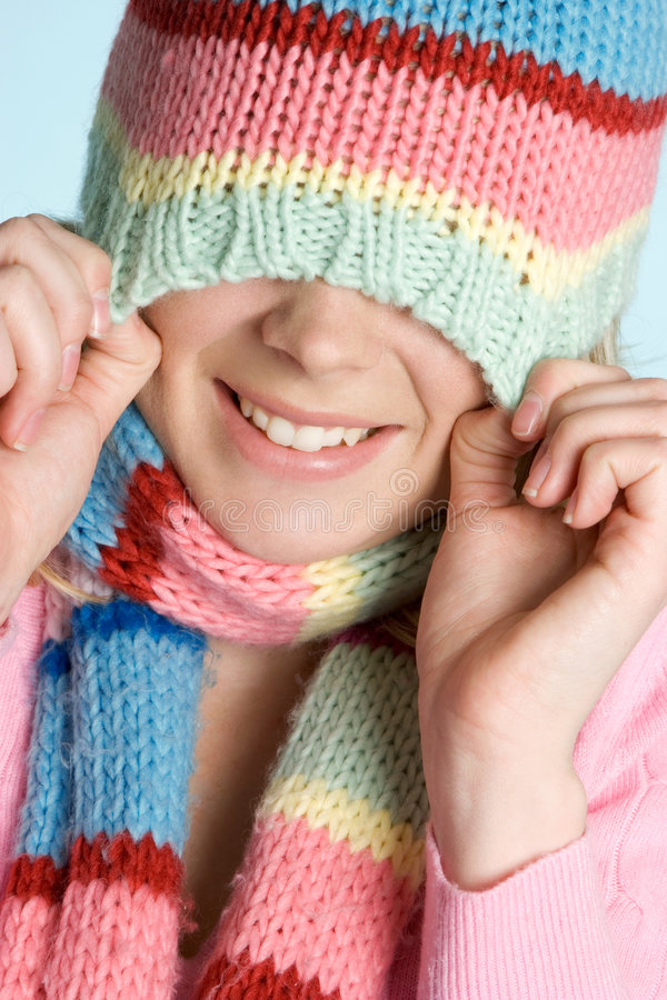 Spielerisches Winter-Mädchen stockbild