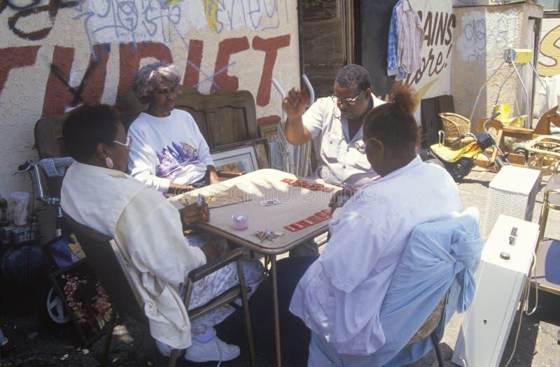 Spielkarten der älteren Bürger des African-American lizenzfreie stockfotografie