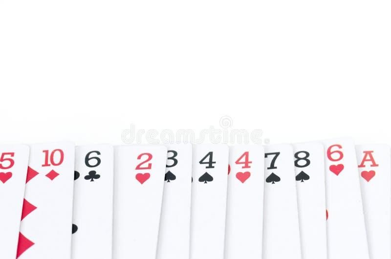 Spielkarten Mit Verschiedenen Zahlen Und Farben In Der Linie ...