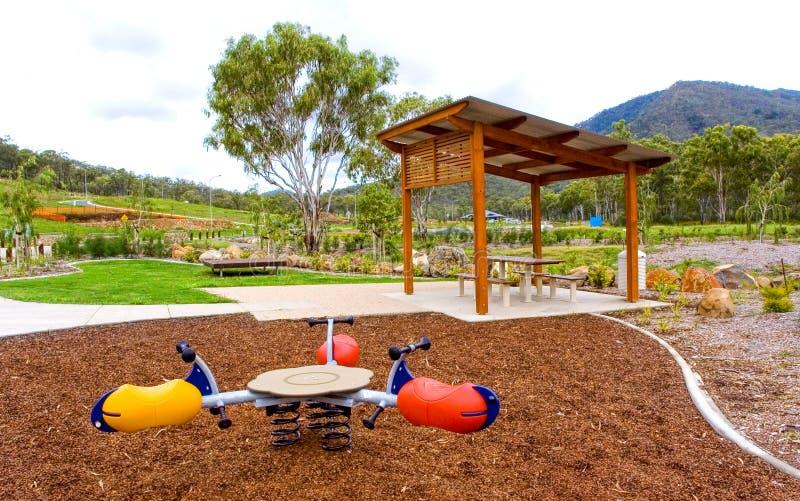 Spielplatz im Wohngebiet stockfoto