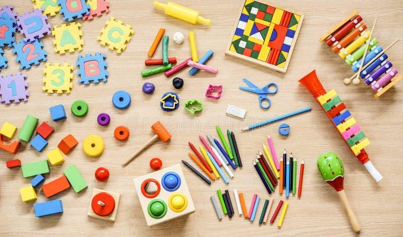 Spielwaren und Briefpapier stockfotos