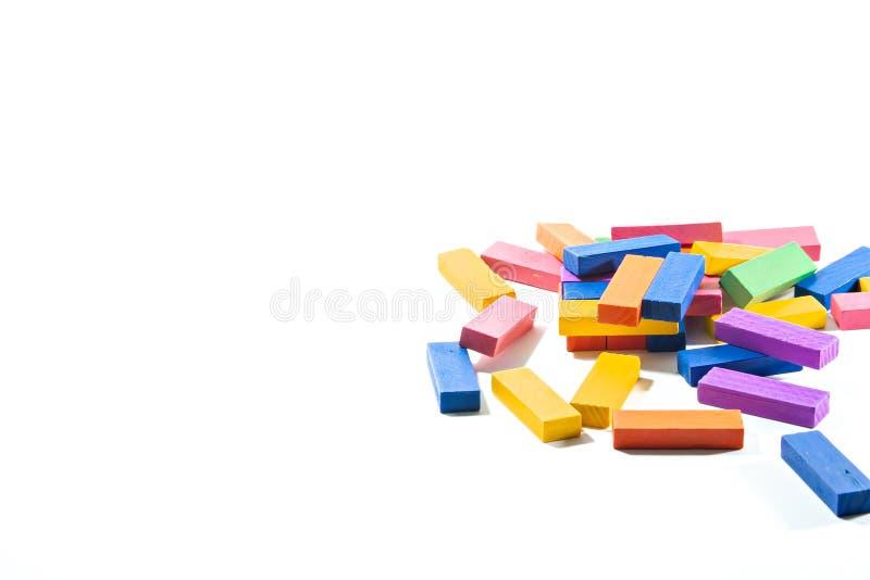 Spielzeug des hölzernen Blockes auf lokalisiertem weißem Hintergrund lizenzfreie stockbilder