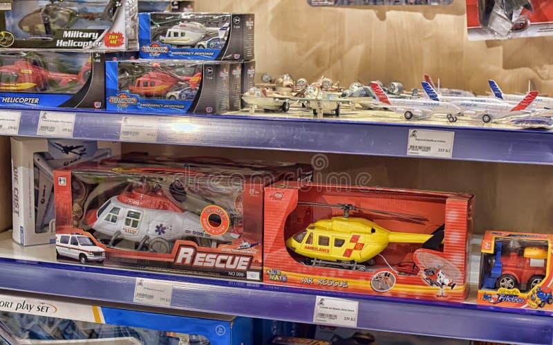Spielzeughubschrauber lizenzfreie stockfotografie