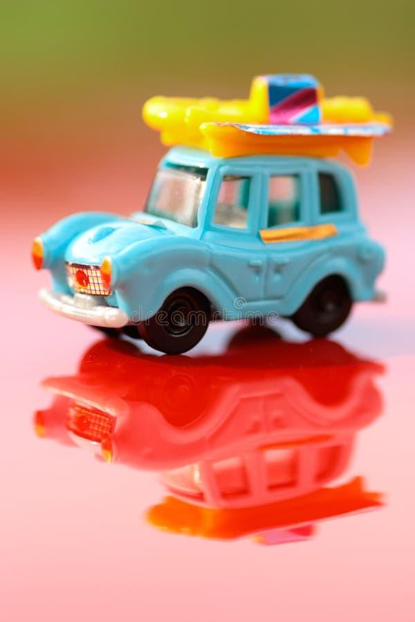 Spielzeugmotor- Makroschuß der Plastik-hildrens, flache Schärfentiefe lizenzfreie stockfotografie