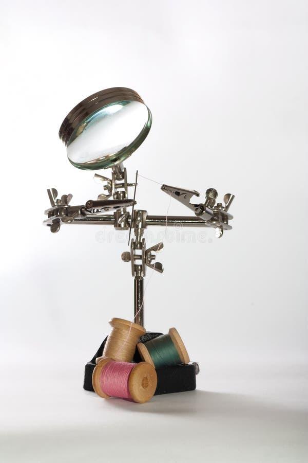 Spielzeugroboter mit Nadel lizenzfreies stockfoto