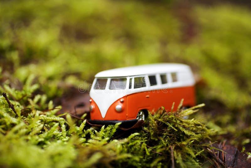 Spielzeugschulmagische Bushintergrund-Tapetenschöne kunst stockfoto