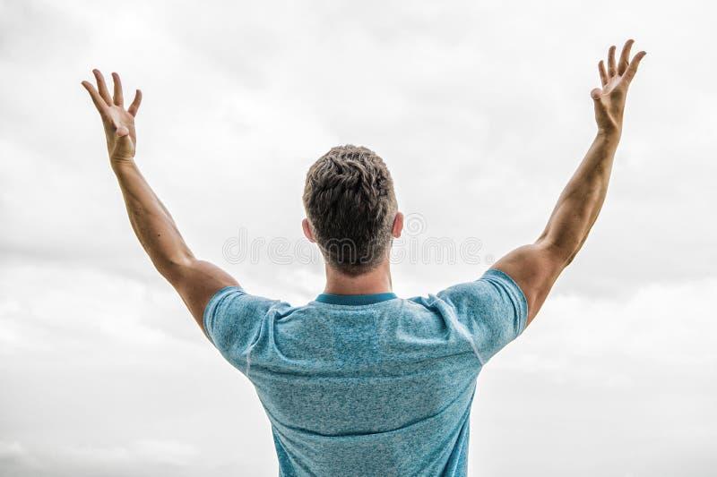 Spier achterdiemens op wit wordt ge?soleerd Het succes is over het maken van idee?n gebeuren Gelukkige winnaar Succesvolle gelukk stock foto