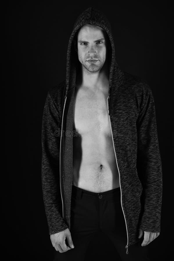 Spier en sexi De spiermens met de atletische borst Atletische mens met spierborstjongelui paste atleet Sexy sportman stock fotografie