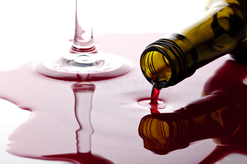 Spiiled vin royaltyfri bild