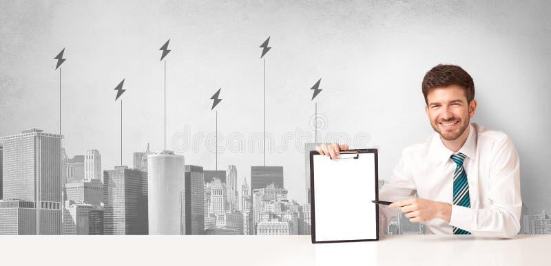 Spiker przedstawia miasto konsumpcj? energii fotografia royalty free
