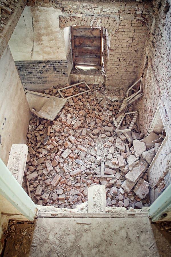 Spillror i en gammal byggnad royaltyfri foto