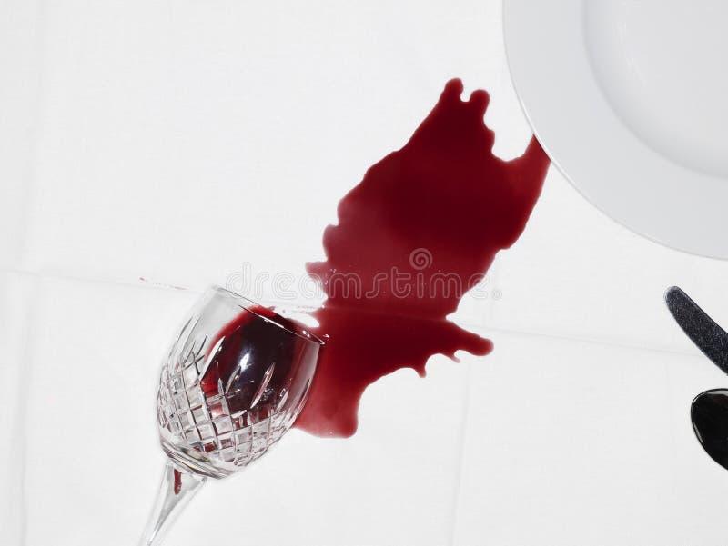 Spillt vin royaltyfri bild