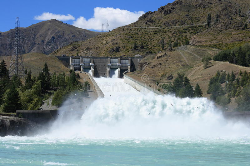 Spillway do Hydro-power foto de stock