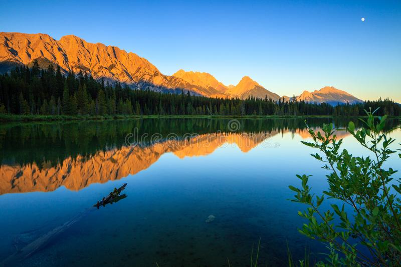 Spillway Lake and the Opal Range, Peter Lougheed Provincial Park stock photography