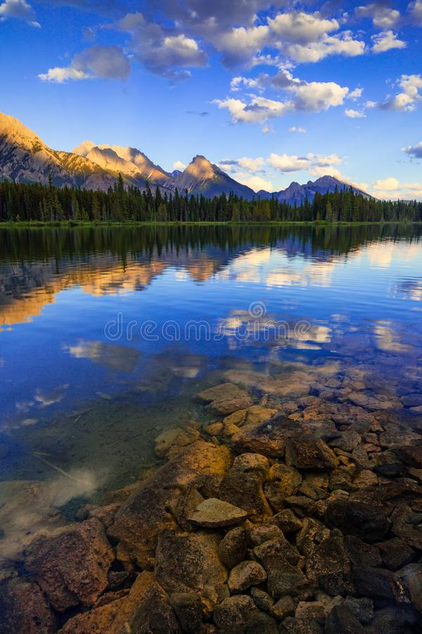 Spillway Lake and the Opal Range, Peter Lougheed Provincial Park stock photo